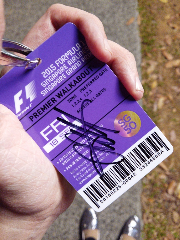 Vettel's signature! Mission: Accomplished!